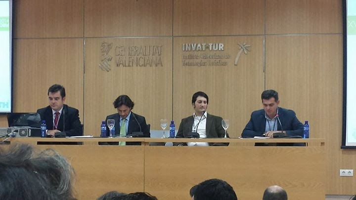 Dr. Alcantara en Mesa redonda congreso XVIII AECIT
